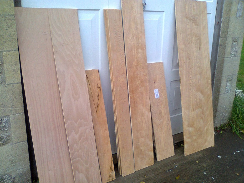 No 7 swarm and nuc timber 012
